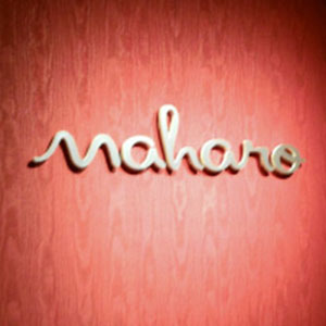 nail salon Maharo